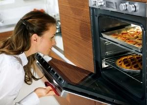 Можно ли на фольге выпекать пирожки в духовке
